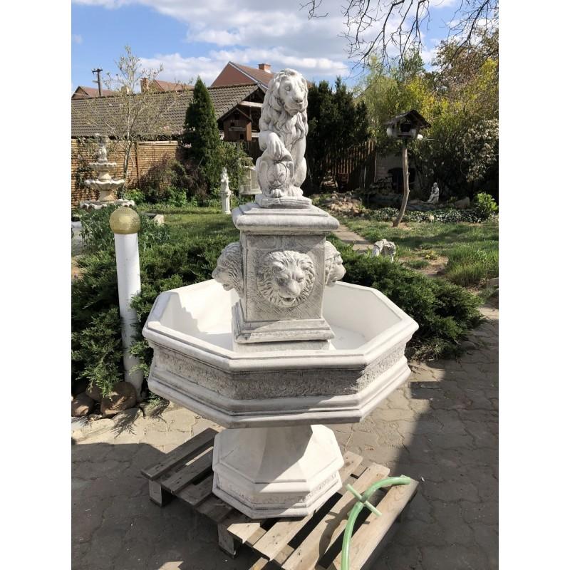 Zahradní fontána Lví šedá