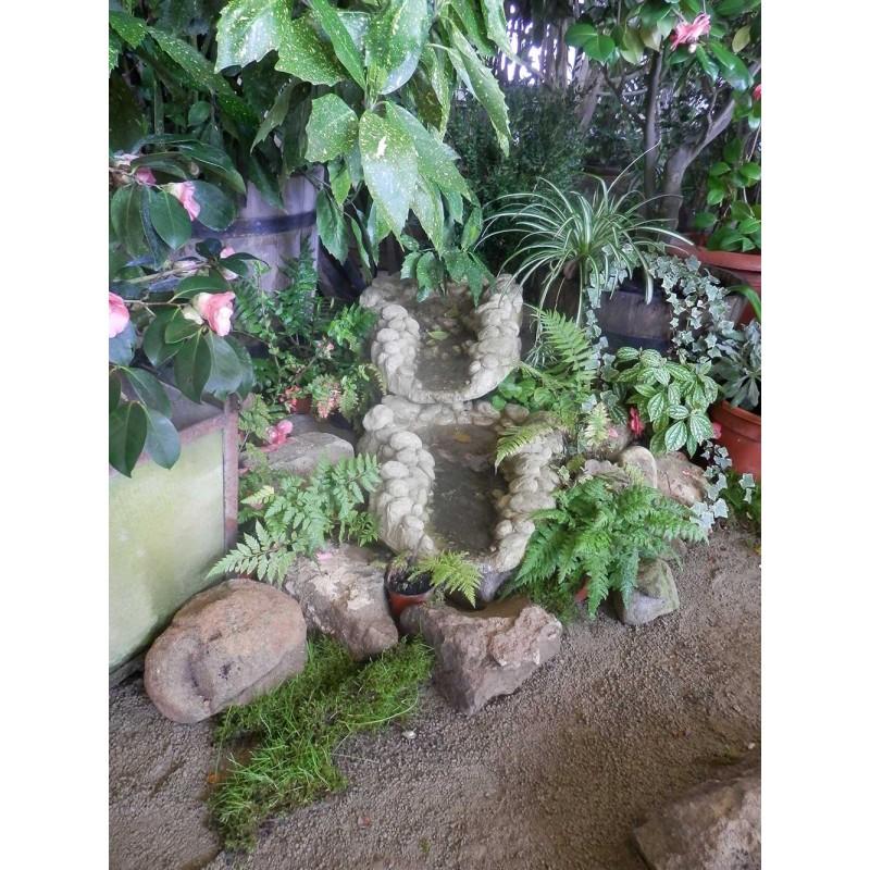 Kaskáda rybníková, k jezírku malá