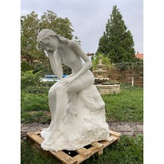 Zahradní socha - Plačící dívka