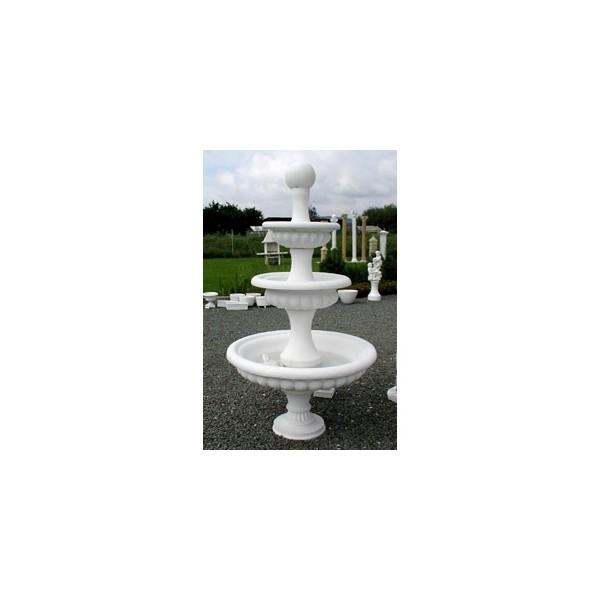 Zahradní fontána tři patra vysoká