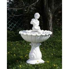 Zahradní fontána vroubená s Amorem