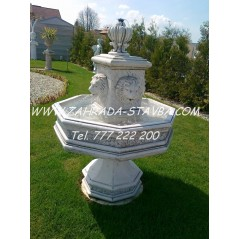 Zahradní fontána se lvy