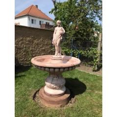 Zahradní fontána zdobená - Dívka se džbány